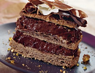 Millefeuille chocolate with cream patisserie